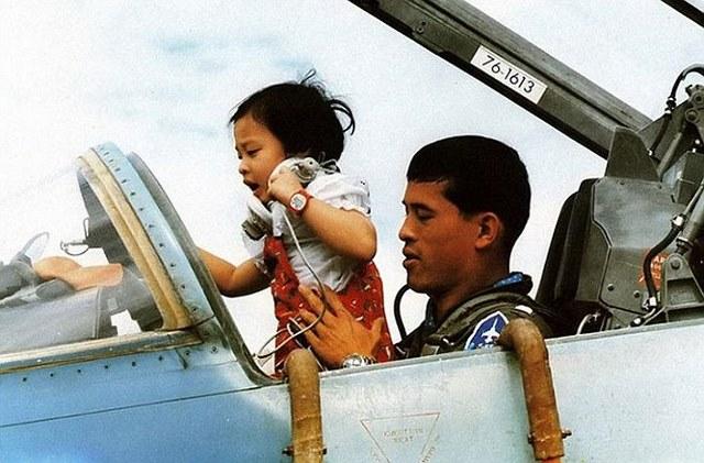 """Hình ảnh """"tay chơi"""" của người sắp trở thành vua Thái Lan - 4"""