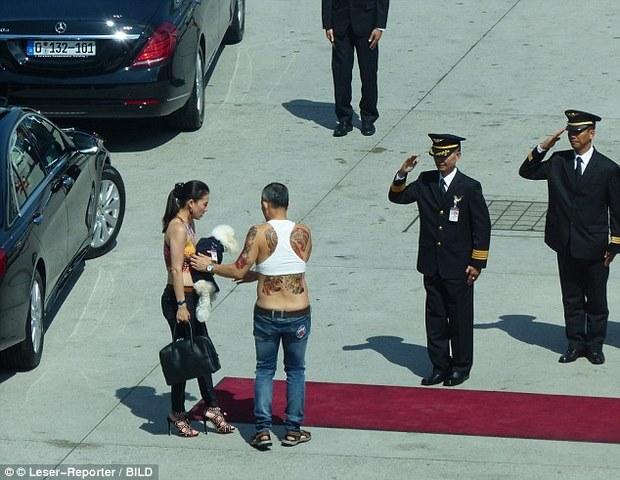 """Hình ảnh """"tay chơi"""" của người sắp trở thành vua Thái Lan - 6"""