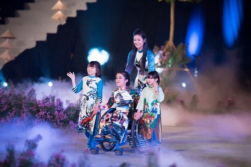 Nghệ sĩ, giai nhân Việt rạng rỡ trảy hội áo dài Hà Nội - 3