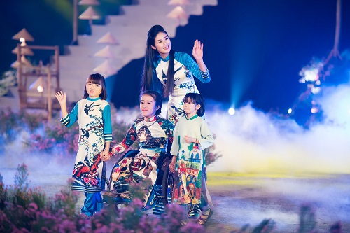 Nghệ sĩ, giai nhân Việt rạng rỡ trảy hội áo dài Hà Nội - 4