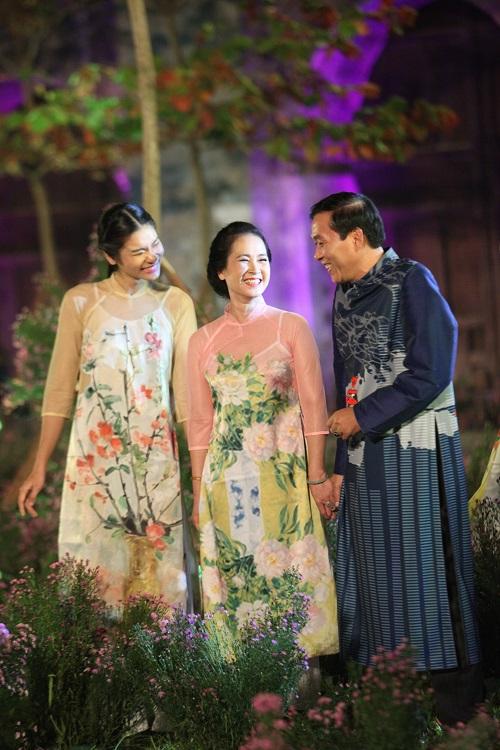 Nghệ sĩ, giai nhân Việt rạng rỡ trảy hội áo dài Hà Nội - 7