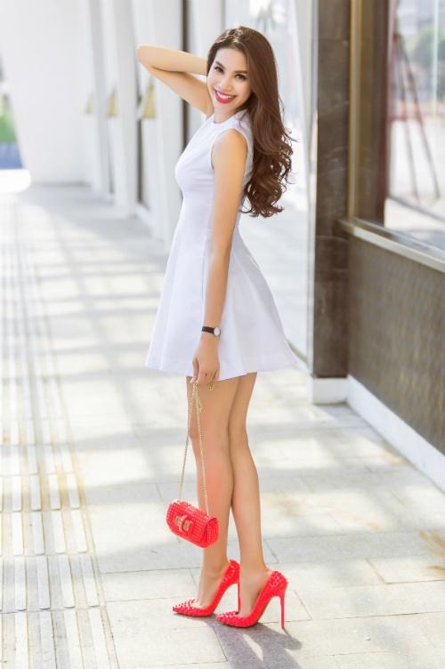 Phạm Hương mặc váy rẻ bèo vẫn sang chảnh, thời thượng - 5