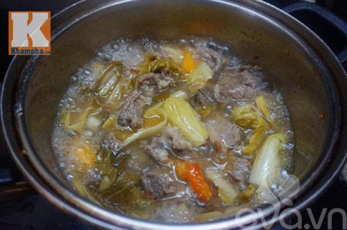 Gân bò hầm dưa cải chua thơm ngon đậm đà - 8