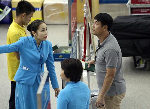 """ĐT Việt Nam đi Hàn Quốc, HLV Hữu Thắng suýt bị """"lạc"""" - 10"""