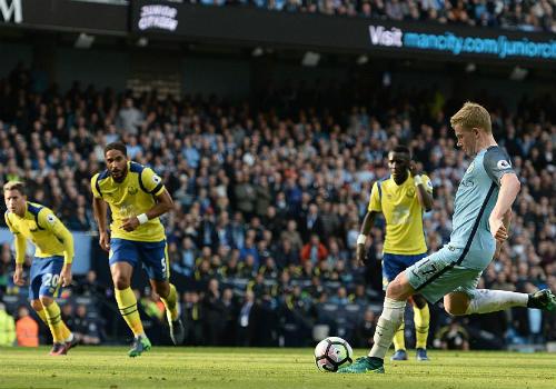 Thủ môn Everton 2 lần khiến Man City ôm hận chấm 11m - 1