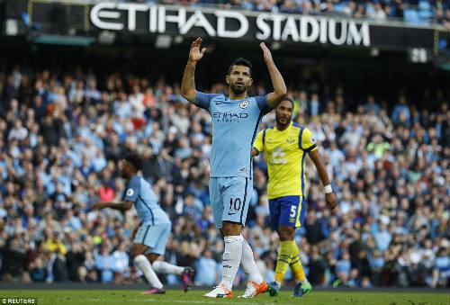 Thủ môn Everton 2 lần khiến Man City ôm hận chấm 11m - 2