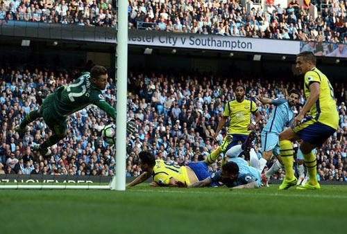 Man City - Everton: Những khoảnh khắc khó tin - 1
