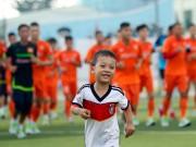 Bóng đá - Vị khách đặc biệt gây bất ngờ ở buổi tập của ĐT Việt Nam
