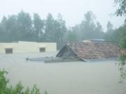 Tin tức trong ngày - Quảng Bình xin máy bay trực thăng cứu tàu mắc cạn