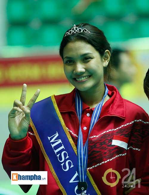 Người đẹp Indonesia đăng quang Hoa khôi VTV Cup 2016 - 7