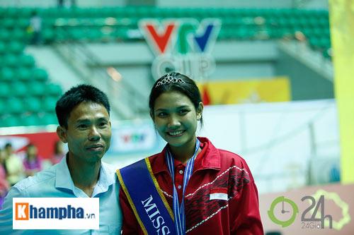 Người đẹp Indonesia đăng quang Hoa khôi VTV Cup 2016 - 9