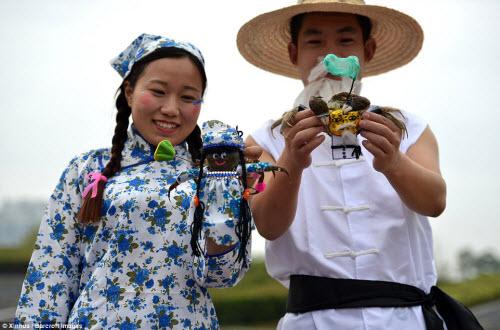 Độc đáo cuộc thi thời trang cua ở Trung Quốc - 6