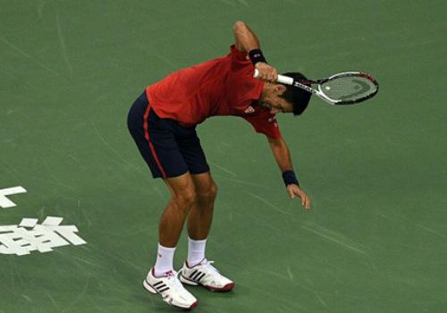 Djokovic: Bị phế ngôi, đập vợt và báo động đỏ - 1