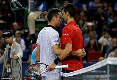 Djokovic: Bị phế ngôi, đập vợt và báo động đỏ - 2