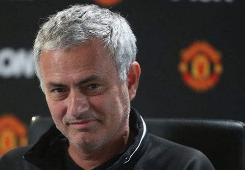 Mourinho: Liverpool không đặc biệt, MU thắng cũng thường - 1
