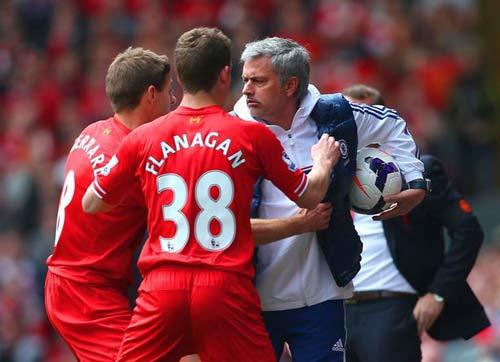 Mourinho: Liverpool không đặc biệt, MU thắng cũng thường - 2