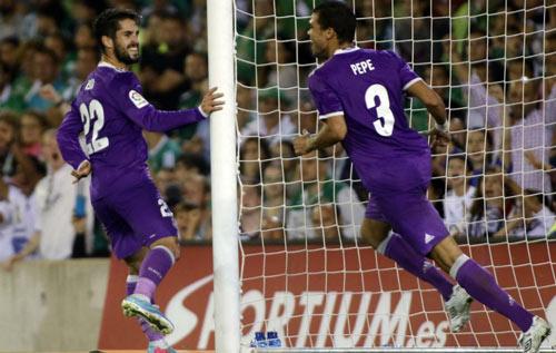 """Real thắng đậm, Zidane mừng vì Ronaldo """"giải hạn"""" - 2"""