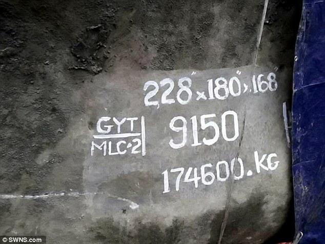 Tìm thấy ngọc bích khổng lồ 175 tấn đắt giá nhất thế giới - 2