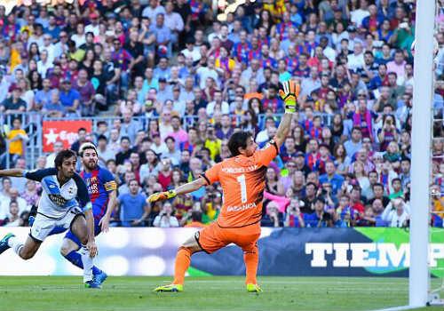"""Barca & Messi trở lại bùng nổ: Man City - Pep """"run rẩy"""" - 1"""