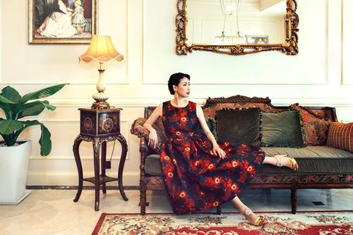 Choáng ngợp cuộc sống xa hoa của hoa hậu Việt đăng quang trẻ tuổi nhất - 2