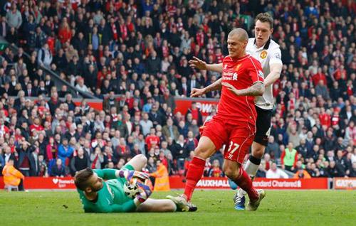 """""""Đặc sản"""" Liverpool – MU: Những cú tắc """"ăn thua đủ"""" - 8"""