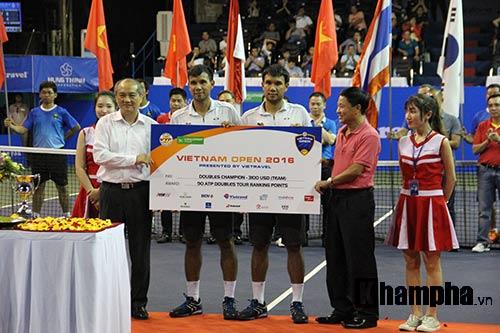 Fan nữ đuổi theo nhà vô địch Vietnam Open tới tận phòng nghỉ - 11