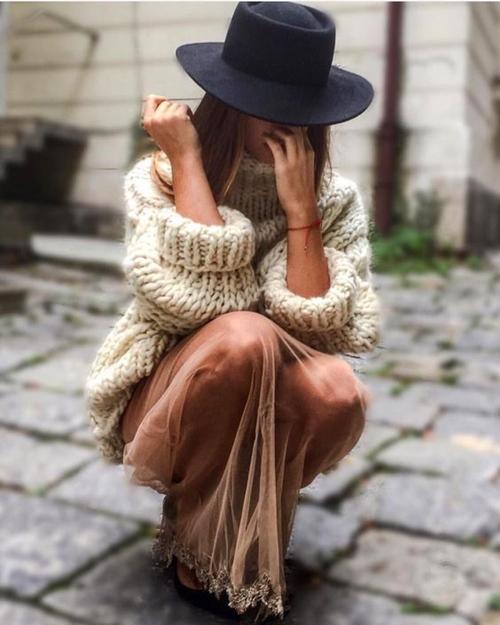 Khi mốt chân váy xuyên thấu áp đảo đầm áo ngàn lỗ - 10