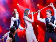 Ca nhạc - MTV - Hà Hồ mặc xuyên thấu khoe chân dài trên trên khấu Hà thành