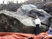 Tìm thấy ngọc bích khổng lồ 175 tấn đắt giá nhất thế giới