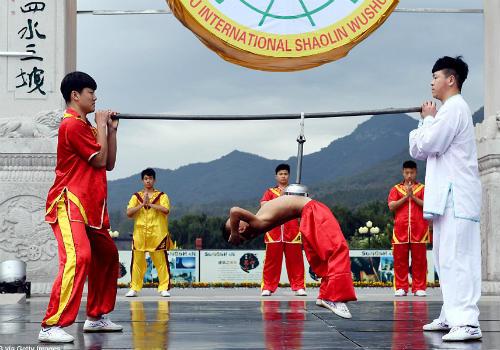 Choáng ngợp màn đồng diễn võ Thiếu Lâm tuyệt đỉnh - 3