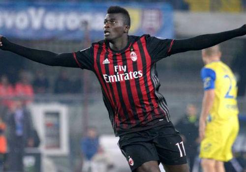 Chievo - Milan: Bay vào top 3 - 1