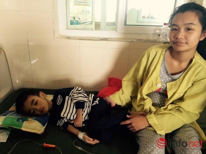 Con bị ung thư vượt qua cửa tử và nỗi ân hận của người mẹ trẻ - 1