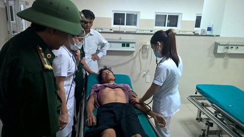 Vụ tàu mắc cạn ở Quảng Bình: Tìm thấy thêm 4 thuyền viên - 1