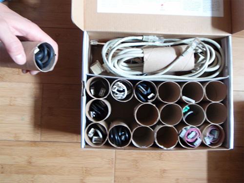 Công dụng không ngờ của lõi giấy vệ sinh, chai nhựa cũ - 1