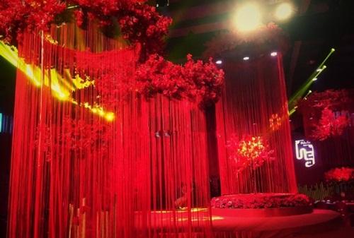 Cô dâu TQ đeo hàng chục kg vàng trong ngày cưới - 7
