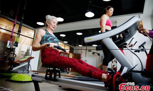 Cụ bà 71 tuổi gây sốc vì tập gym khỏe hơn thanh niên - 6