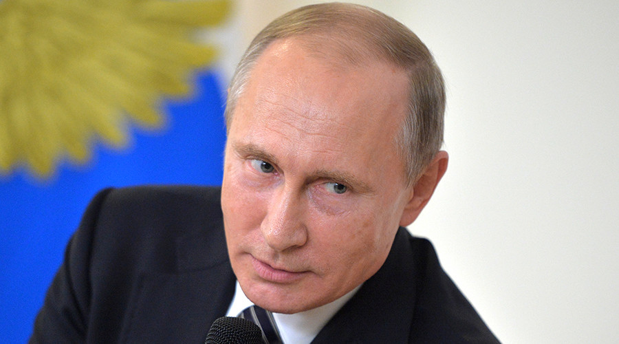Video: Vừa nói đùa về Mỹ, ông Putin gặp sự cố bất ngờ - 1