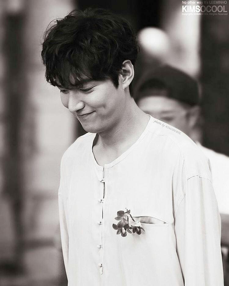 "Lee Min Ho ""trẻ ra tới 10 tuổi"" trong phim mới - 15"