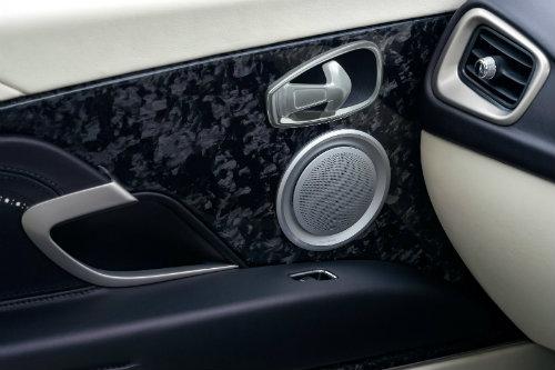 Aston Martin DB11 về châu Á giá chênh khủng khiếp - 6