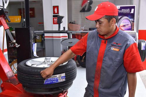 Loại lốp xe nào êm ái dành cho khách hàng Việt Nam? - 2