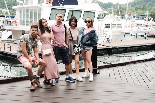 Văn Anh - Tú Vi cùng đoàn phim khám phá Singapore - 7