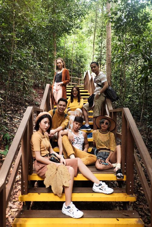 Văn Anh - Tú Vi cùng đoàn phim khám phá Singapore - 5
