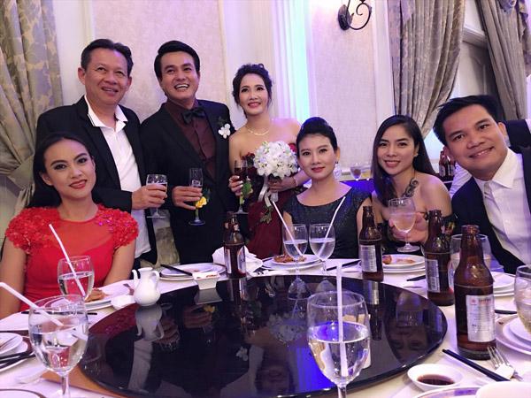 Đời tư kín tiếng của tài tử Việt vừa kết hôn ở tuổi 41 - 6