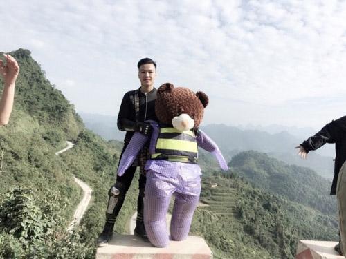 Chàng sinh viên đưa gấu bông đi phượt gây sốt mạng - 2