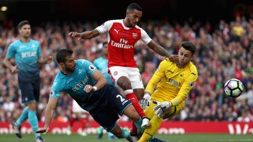 """Arsenal: """"Bay cao"""" cùng bộ tứ tấn công ảo diệu - 4"""
