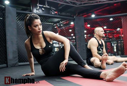 """2 kiều nữ Việt Nam """"hạ knock-out"""" huyền thoại UFC - 2"""