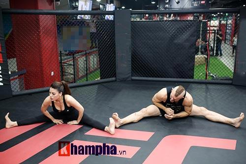 """2 kiều nữ Việt Nam """"hạ knock-out"""" huyền thoại UFC - 3"""