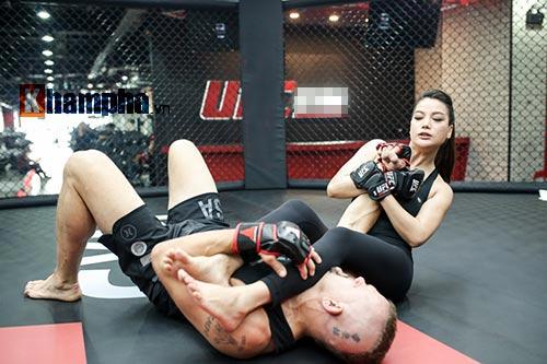 """2 kiều nữ Việt Nam """"hạ knock-out"""" huyền thoại UFC - 4"""