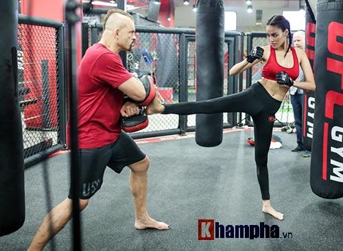 """2 kiều nữ Việt Nam """"hạ knock-out"""" huyền thoại UFC - 8"""