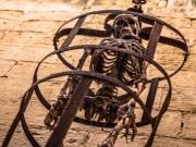 Thế giới - Lồng treo hành hình ghê rợn thời Trung cổ